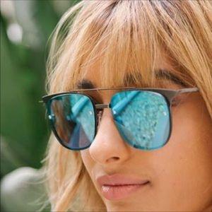 🆕 Quay blue reflective sunglasses